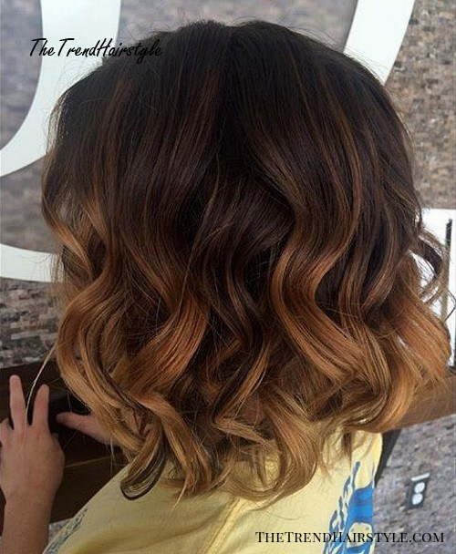 Medium Beachy Waves With Ombre Highlights 40 On Trend Balayage Short Hair Looks The Trending Hairstyle