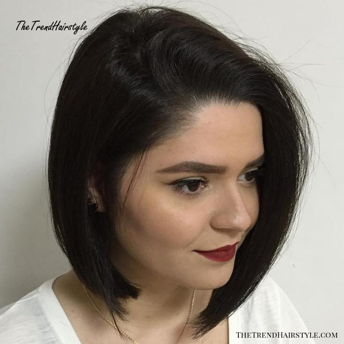 Angled Side Part Bob For Straight Hair