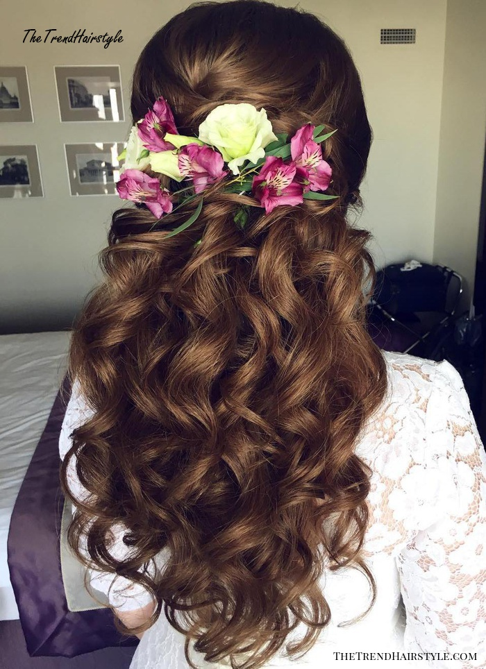 Layered And Gathered Bridal Hairstyle 40 Gorgeous Wedding Hairstyles For Long Hair The Trending Hairstyle