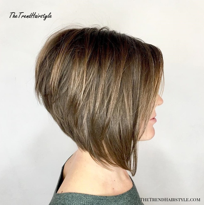 Inverted Stacked Collarbone Bob