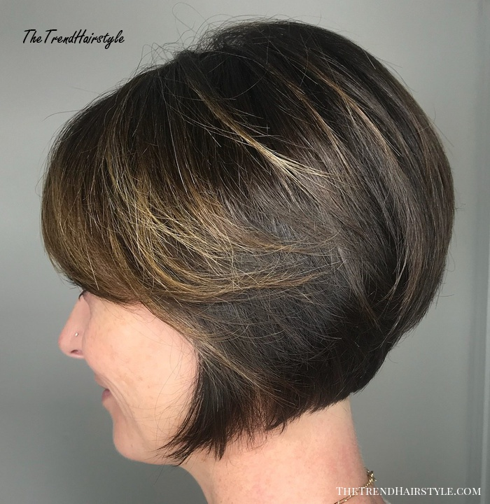 Jaw-Length Inverted Bob With Side Bangs