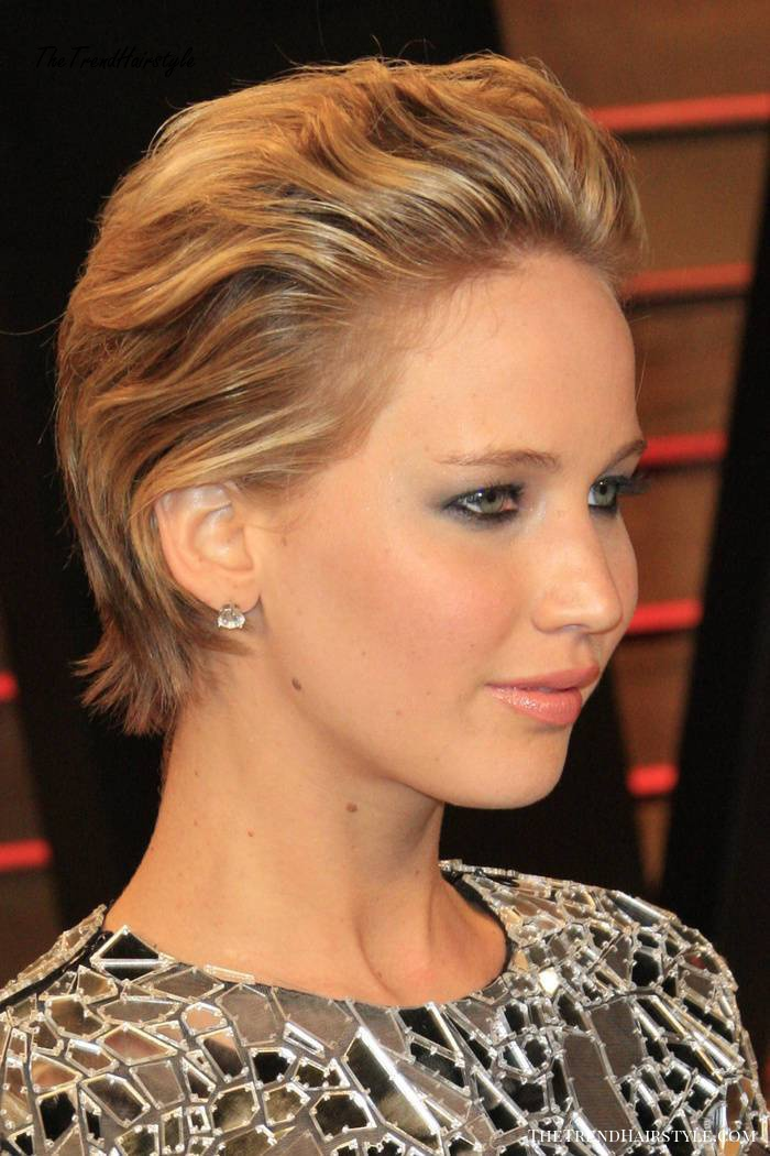 Jennifer Lawrence short hairstyle for Christmas