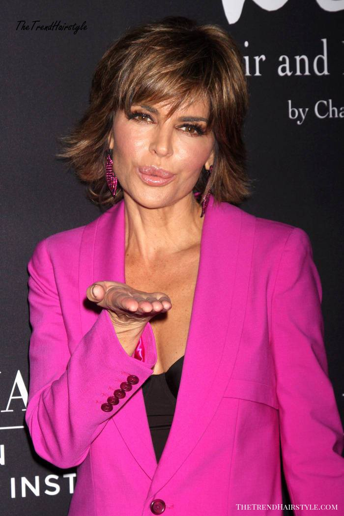 Lisa Rinna short brown hairstyle