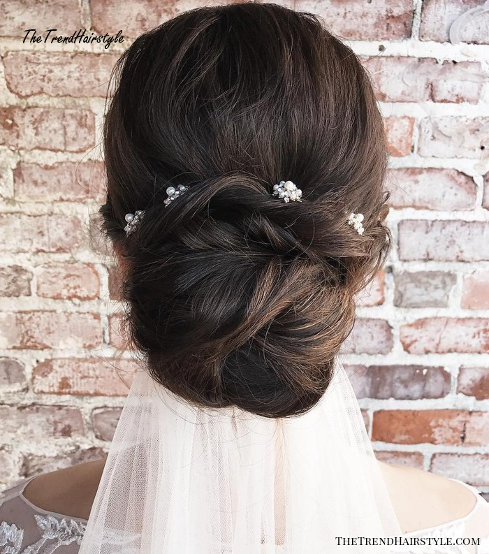 Wedding Hairstyle Ringlets: Layered And Gathered Bridal Hairstyle