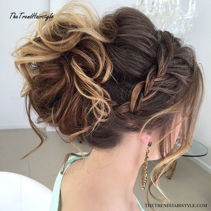 Messy Bun with Long Side Pieces - 40 Most Delightful Prom ...
