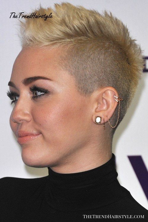 Miley Cyrus very short hairstyle