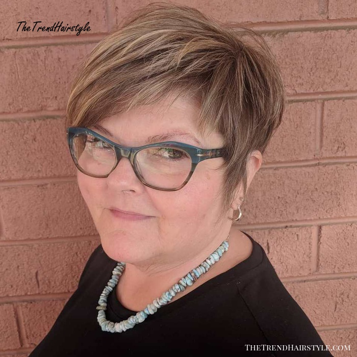 Slimming Long Pixie With A Side Swept Fringe 20 Latest Short Hairstyles For Women With Round Faces Over 50 The Trending Hairstyle