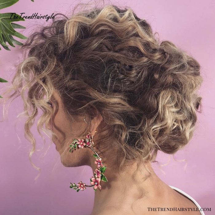 Voluminous Wavy Messy Updo