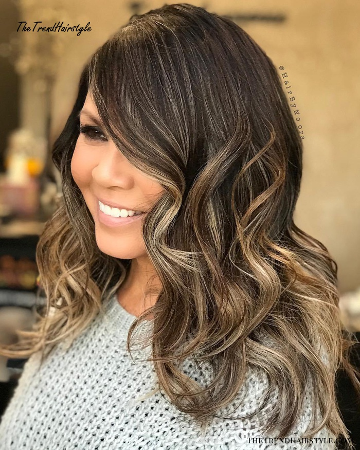Wavy Long Hairstyle For Round Faces