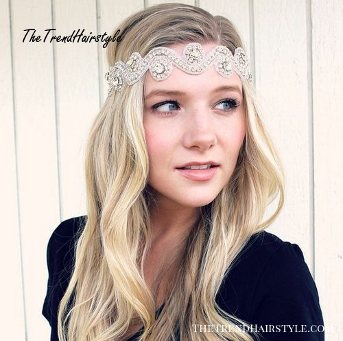 blonde hairstyle with a vintage headband