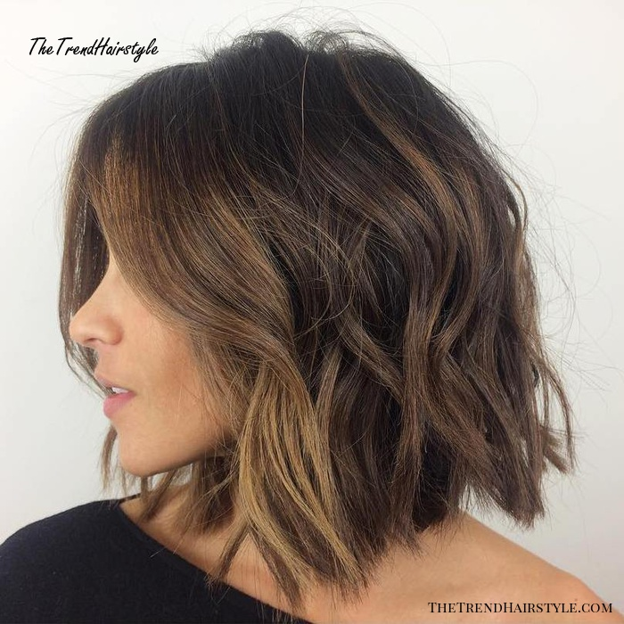 collarbone messy wavy bob for thick hair