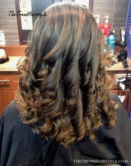 curly hairstyle for medium U haircut
