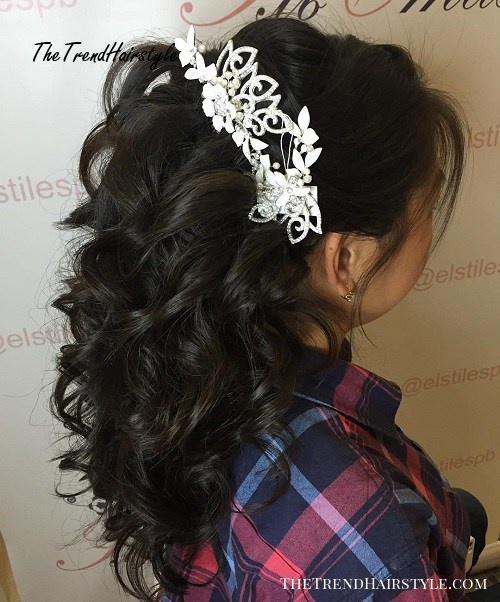 curly half up bridal hairstyle