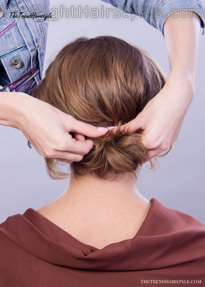 how to make a knot for short hair