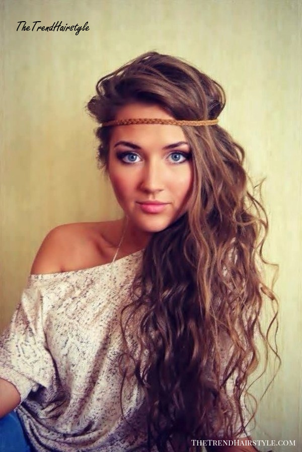 long sideswept hairstyle for teenage girls