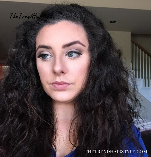 long wavy hairstyle for frizzy hair