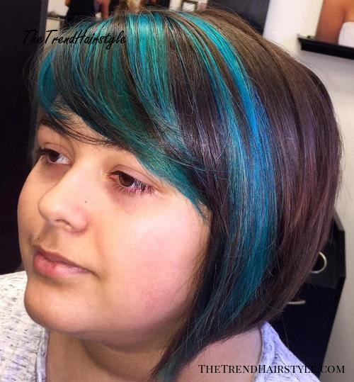 short hairstyle with bangs for a round face