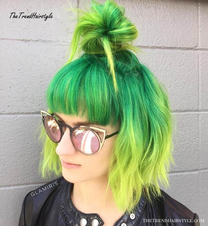 Bold Colored Bun 40 Quick And Easy Short Hair Buns To Try The Trending Hairstyle Page 20