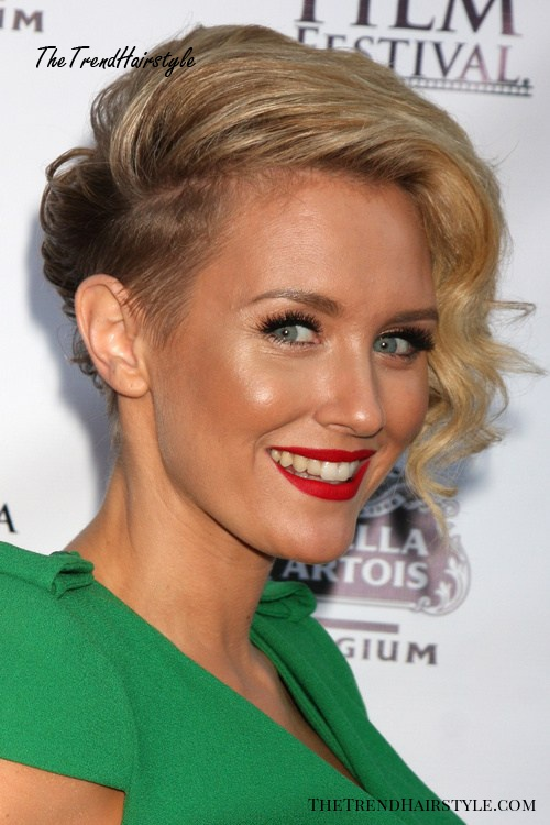 very short hairstyle for women with side undercut
